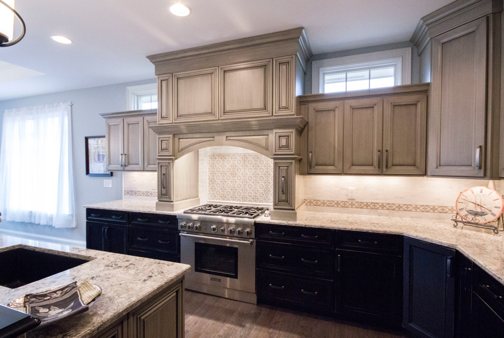 Transitional New Construction - Traditional - Kitchen ...