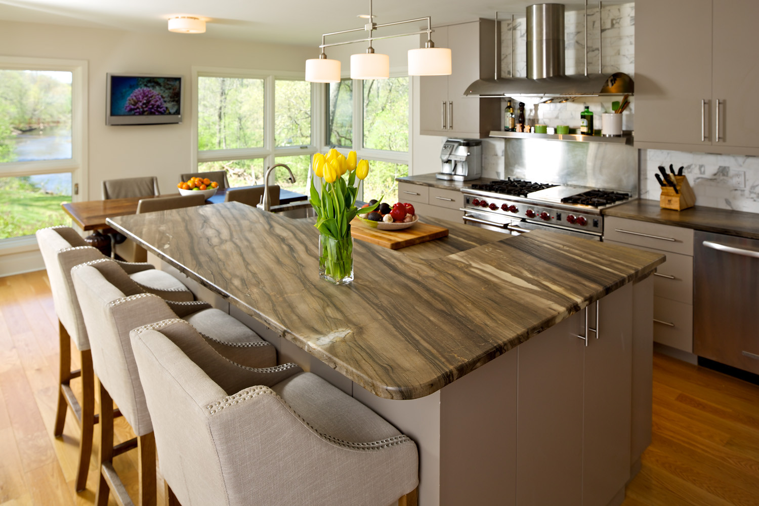 Transitional Painted Kitchen- Clemow