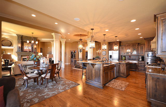 Open floor plan traditional-kitchen