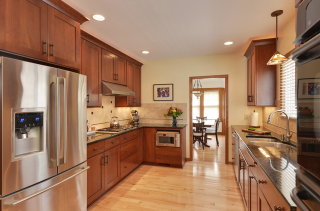 Transitional Tosa Kitchen Transitional Kitchen Milwaukee By Denise Merbeth Llc