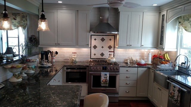 Transitional kitchen photo in New York
