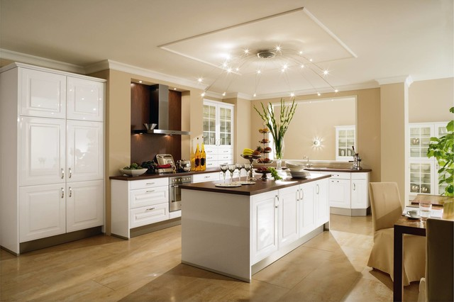 Eat In Kitchen   Mid Sized Transitional L Shaped Porcelain Floor Eat