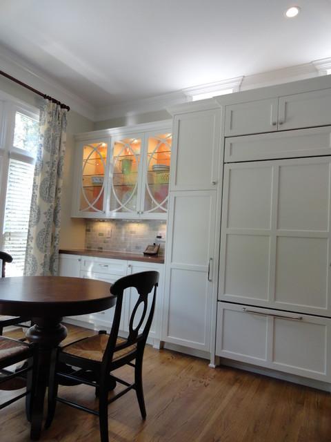 Transitional White Shaker Kitchen traditional-kitchen
