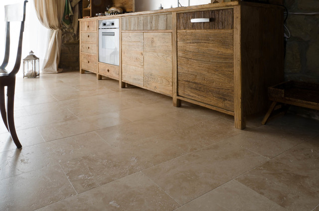 Travertine floors in country chic villa tuscany shabby for Arredamento shabby chic firenze