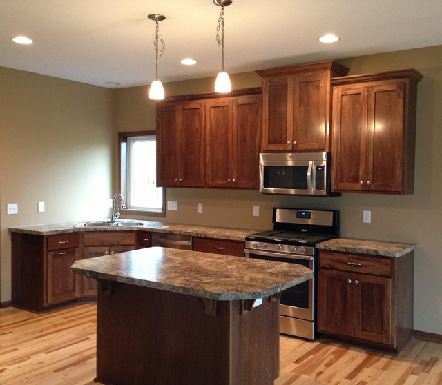 Minnesota Kitchen Cabinets: Trend Setter Homes Shaker Kitchen