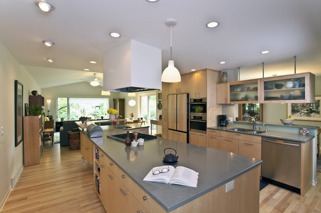 Tri level transformed kitchen contemporary kitchen for Quad level home remodel