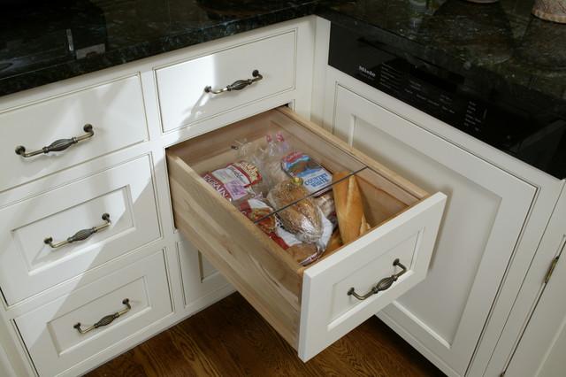 Trish Namm - Traditional - Kitchen - new york - by Trish Namm, Allied ASID - Kent Kitchen Works