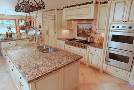 Tuscan Flair traditional kitchen