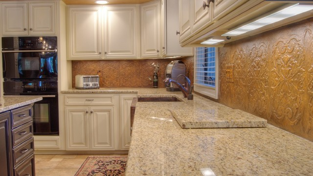 Tuscan Kitchen Backsplash Traditional Kitchen