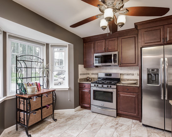 Budget Small Kitchen Design Ideas, Remodels & Photos with Mosaic Tile ...