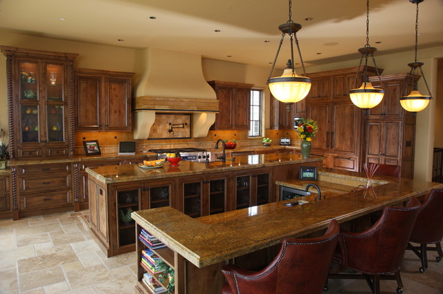 Tuscan Kitchen traditional-kitchen