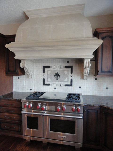 Tuscan Olde Worlde traditional kitchen