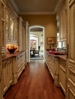Tuscany Kitchen Traditional Kitchen Denver By Wm Ohs Showrooms