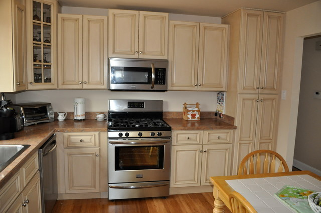 Tuscany Rta Kitchen Cabinets - Traditional - Kitchen