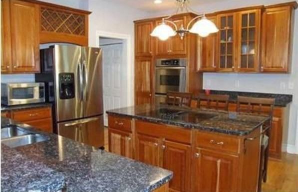 Inspiration for a timeless kitchen remodel in Columbus
