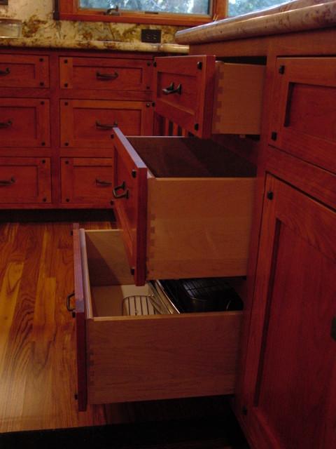 Twain Harte kitchen in warm cherry with ebonized walnut accents and inlays craftsman-kitchen