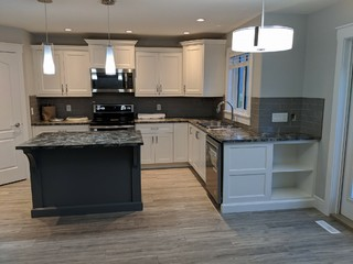 Two Tone Benjamin Moore Fort Mcmurray Alberta Transitional Kitchen Other By Forest City Inc
