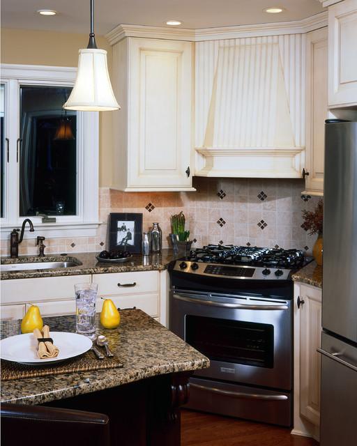 two tone kitchen traditional-kitchen