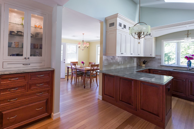 Two-Tone Traditional Kitchen traditional-kitchen