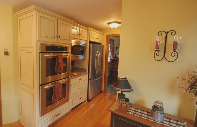 Ty Valentino Designs traditional-kitchen