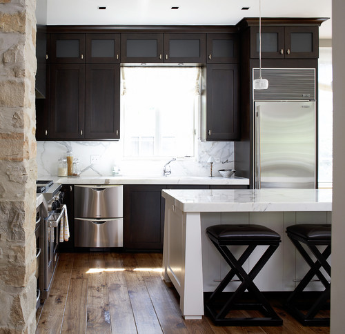 CleaningMaintenance level with DARK cabinets