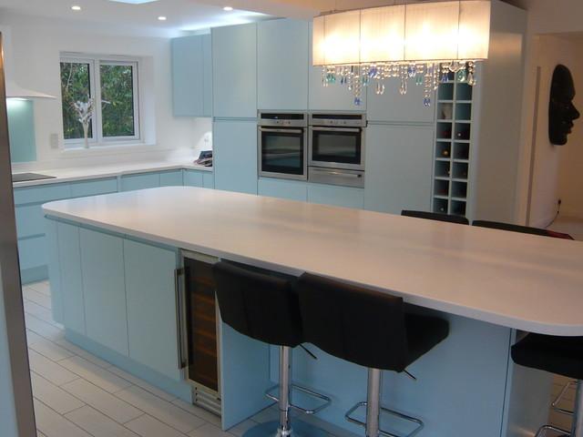 Ultima duck egg blue handle less kitchen for Duck egg blue kitchen ideas