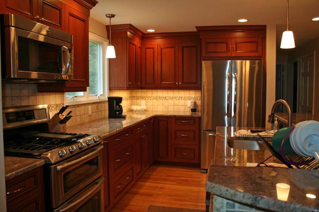 Ultracraft Vision Tuscany In Walpole Ma Traditional Kitchen Boston By Mary Porzelt Of