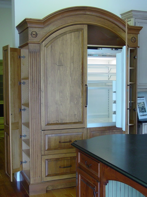 unfitted armoire refrigerator traditional kitchen. Black Bedroom Furniture Sets. Home Design Ideas