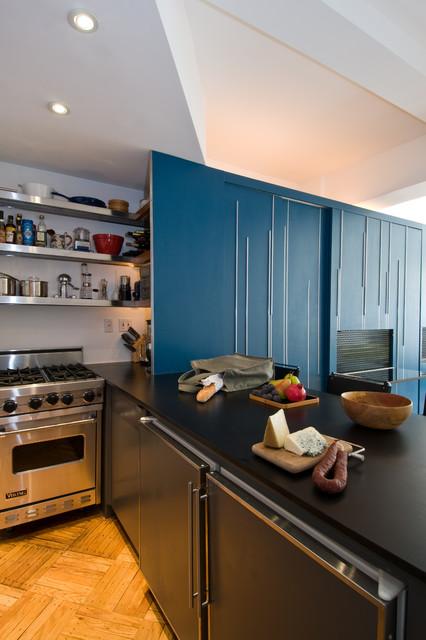 Unfolding Apartment modern-kitchen