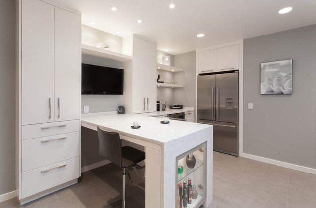 Updated Bright Kitchen & Laundry Room contemporary-kitchen