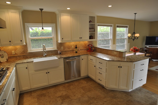 Updated kitchen for a 1940 s home Traditional Kitchen