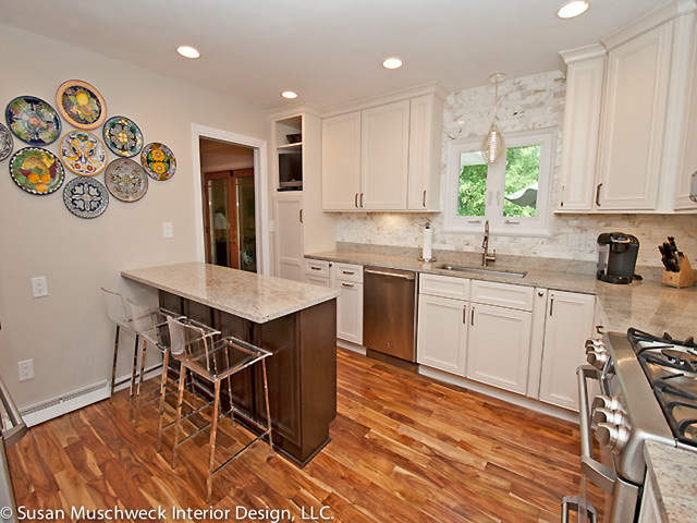 Updated kitchen with small breakfast bar traditional for Breakfast bar in kitchen designs