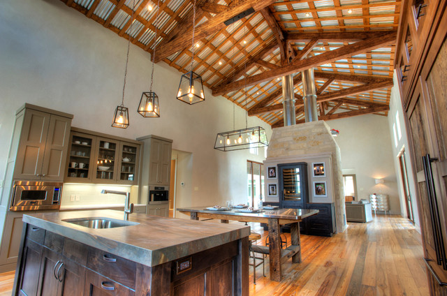 Urban Farm House - Farmhouse - Kitchen - austin - by Joubert Design Build