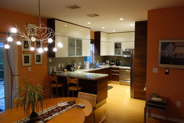 URDANETA modern-kitchen