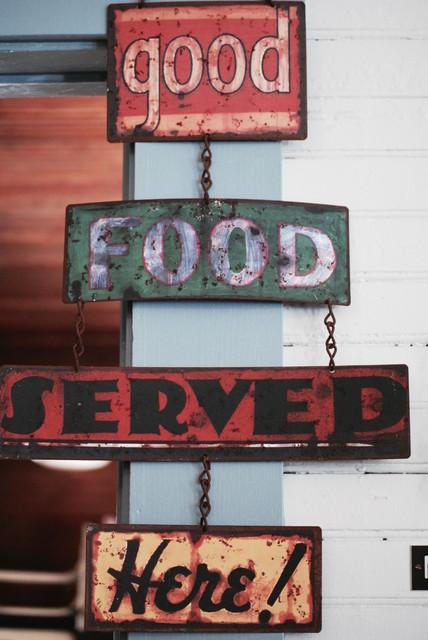 V I N T A G E - flea market finds farmhouse-kitchen