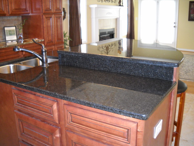 Valleystone Job traditional-kitchen