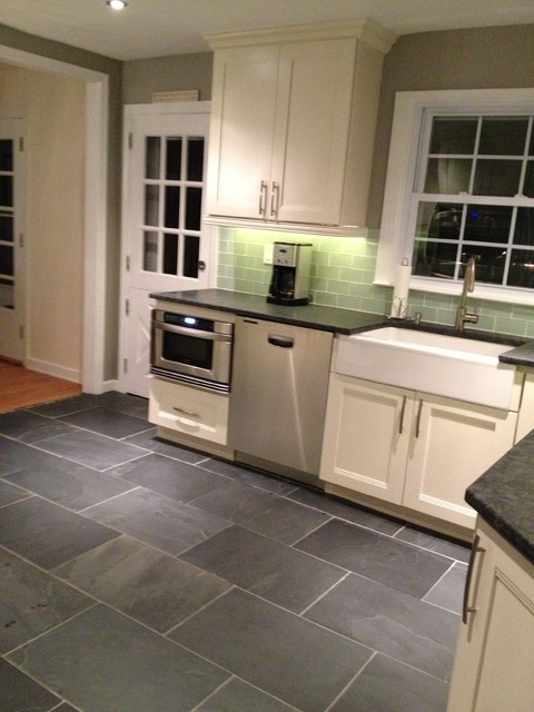 Vanilla Shaker Kitchen Cabinets Traditional