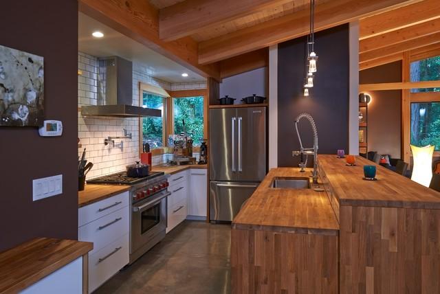 Vashon Island 1750 Sq Ft Fabcab Rustic Kitchen Other