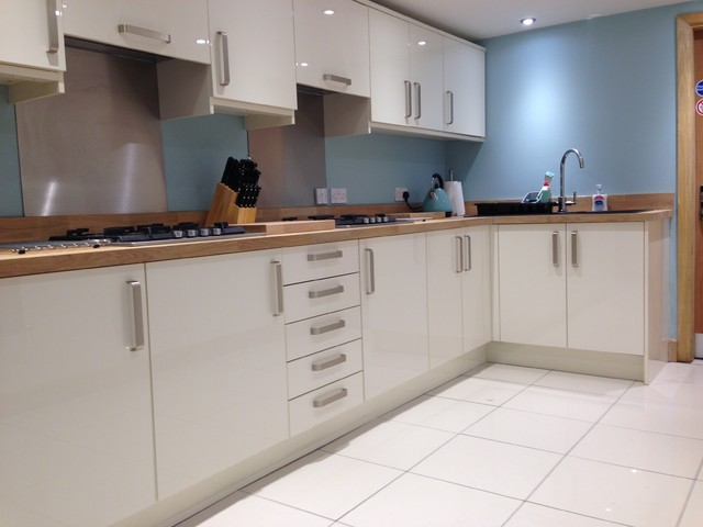 Vc kitchen contemporary kitchen west midlands by for Kitchen units and worktops