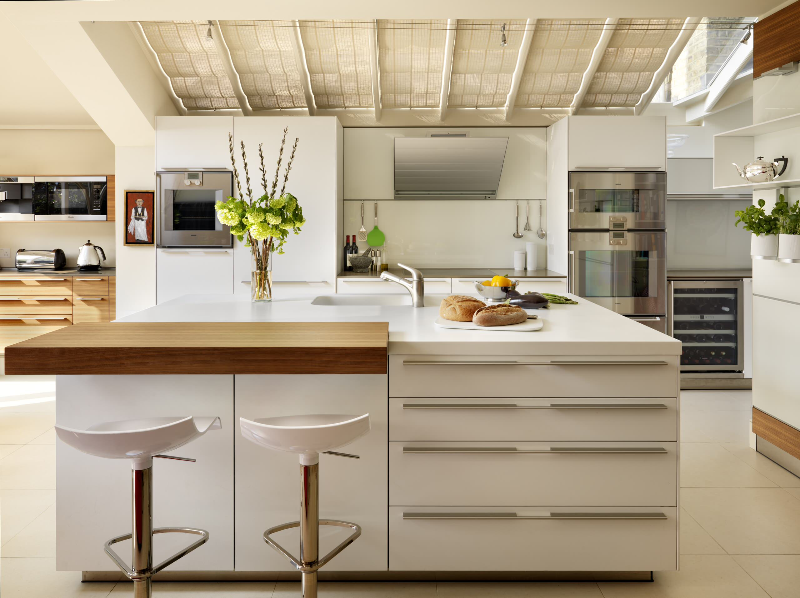 Veneer Bartop Creates A Social Seating Arrangement In This London Town House Kit Contemporary Kitchen London By Hobsons Choice Houzz