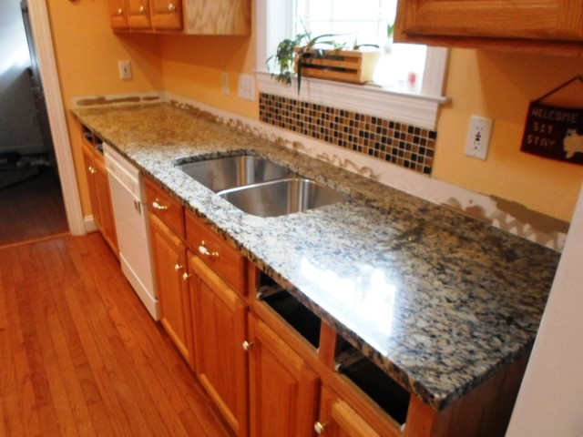 Venetian Ice Granite For Light Wood Cabinets2 8 13