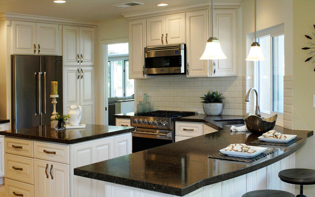 Venice Creme 2 American Traditional, 405 Cabinets And Stone