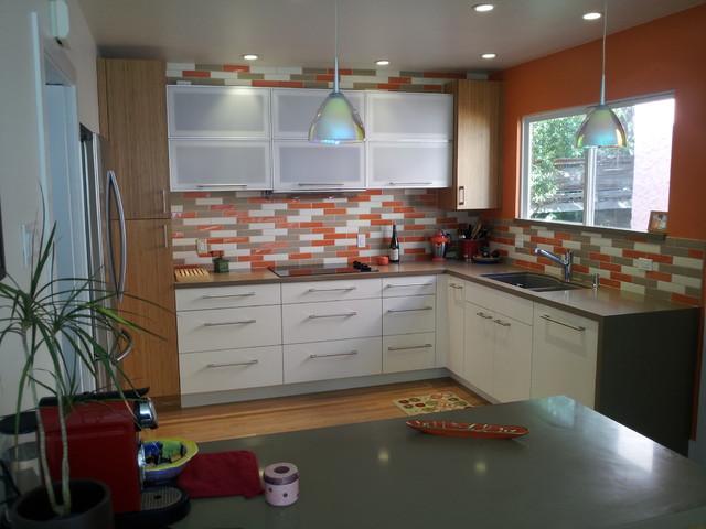 vera contemporary-kitchen