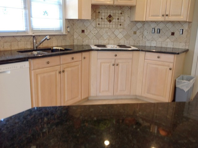 Peacock Granite on Light wood kitchen cabinets - Traditional - Kitchen ...