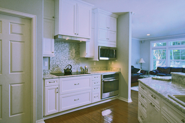 Verdi Lacey Wa Traditional Kitchen Seattle By Cabinets By Trivonna