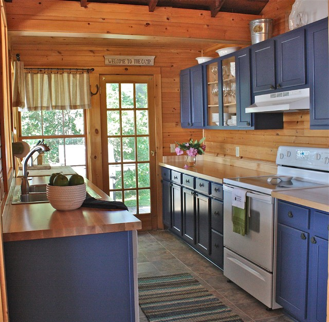 Vermont cottage for Rustic galley kitchen ideas