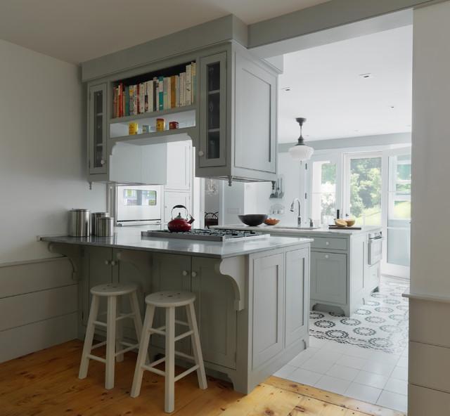Vermont farmhouse remodel country kitchen burlington for Kitchen cabinets vermont