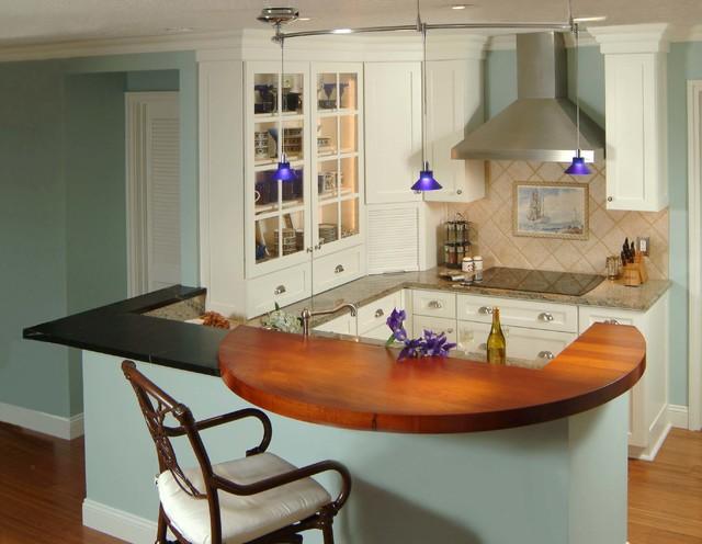Vero Isles 1 tropical-kitchen