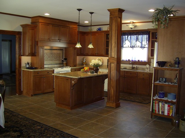 Versatile victorian traditional kitchen new york for Traditional victorian kitchen designs