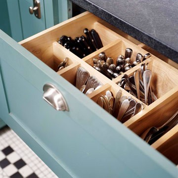 Vertical Silverware Storage Idea traditional kitchen